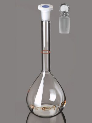 Flask, Volumetric, Clear, Class A, USP, QR Coded with Penny Head glass & PE Stopper, Calibrated at 20°C QR.130.520.01